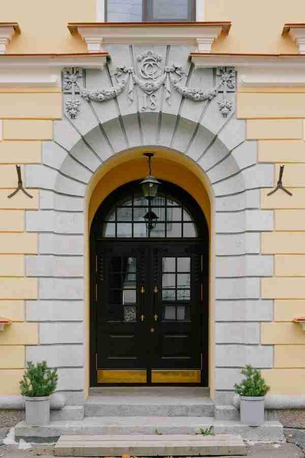 replace the front door